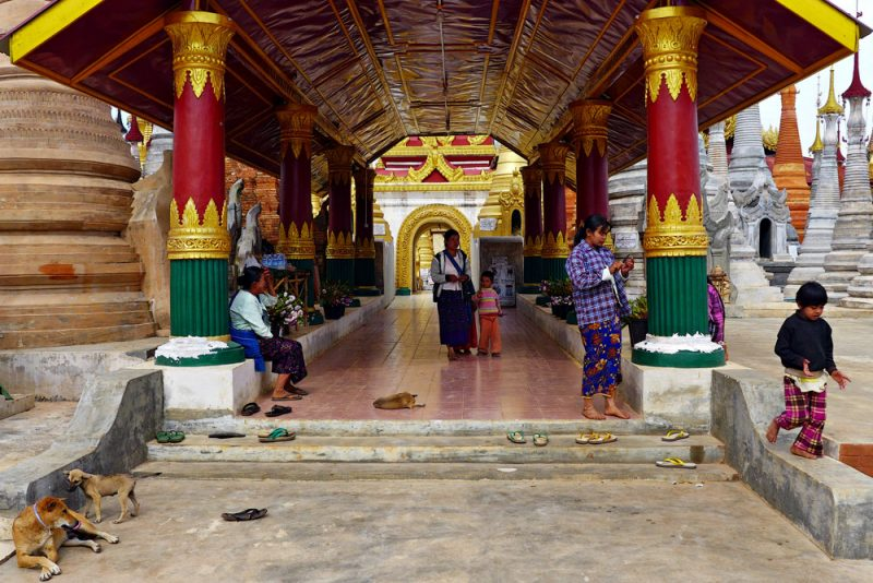 14-inn-dein-pagoda-complex