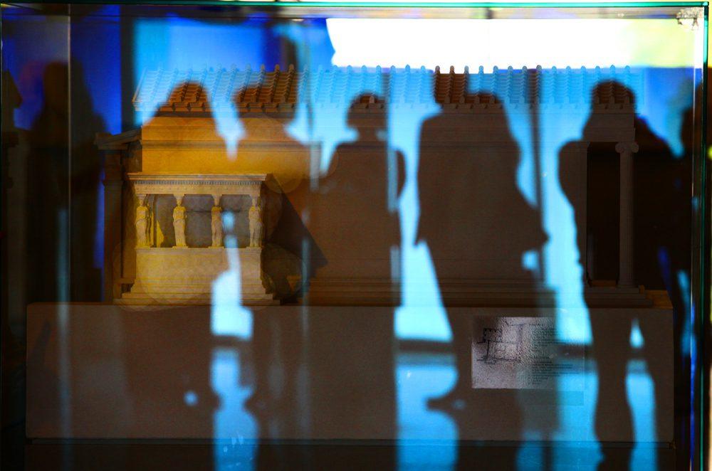 Σκιές στο Μουσείο/φωτό: Σπύρος Τσακίρης